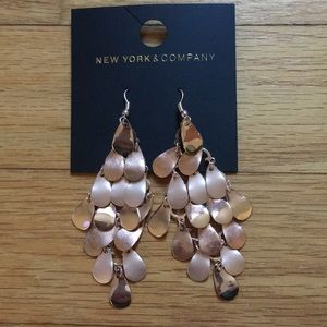 New York & Company Rose colored chandelier earring
